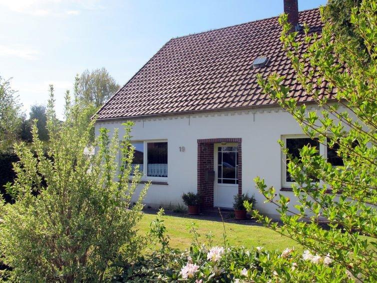 Vacation home Landhaus Küstenwind  in Butjardingen - Stollhamm, North Sea: Lowe, location de vacances à Stadland