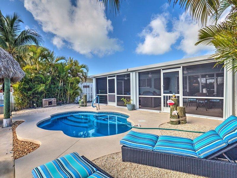 Million Dollar Pool Beauty & Beach Access, holiday rental in Key Colony Beach