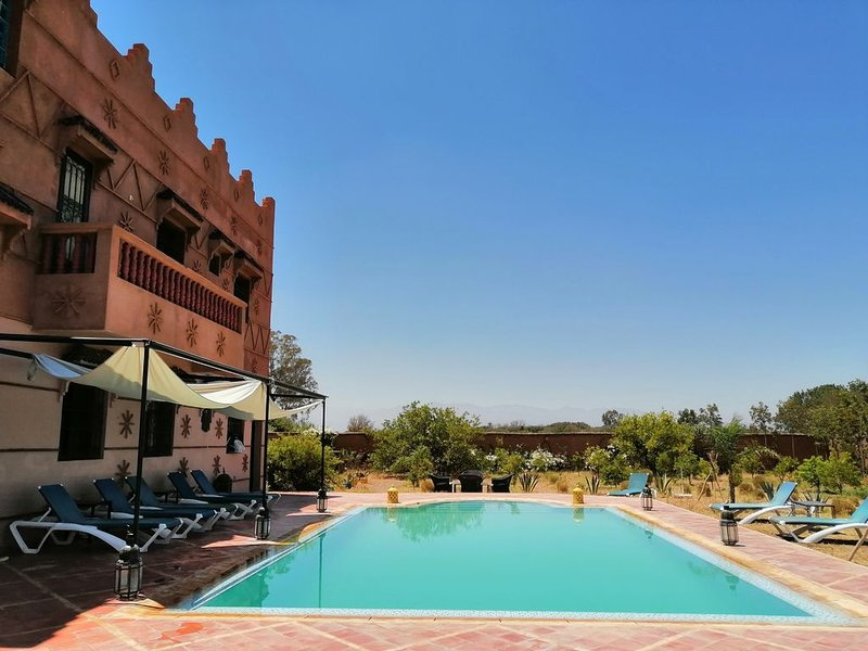 Villa Marrakech, riad, piscine;  UN HAVRE  DE PAIX, vacation rental in Marrakech