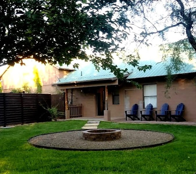 NEW Ranch Guest House just minutes from Sedona and Jerome, holiday rental in Cottonwood