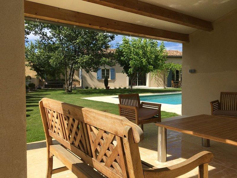 Maison calme et confort en campagne, piscine privée., holiday rental in Villedieu