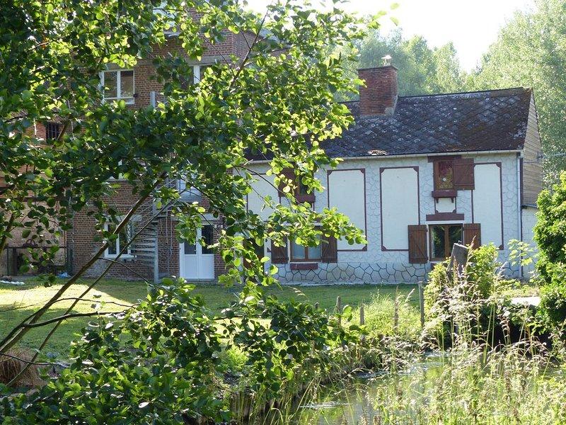 La Calypso, logement pour 7 personnes (6 couchages adultes et 1 lit enfant), holiday rental in Foucarmont