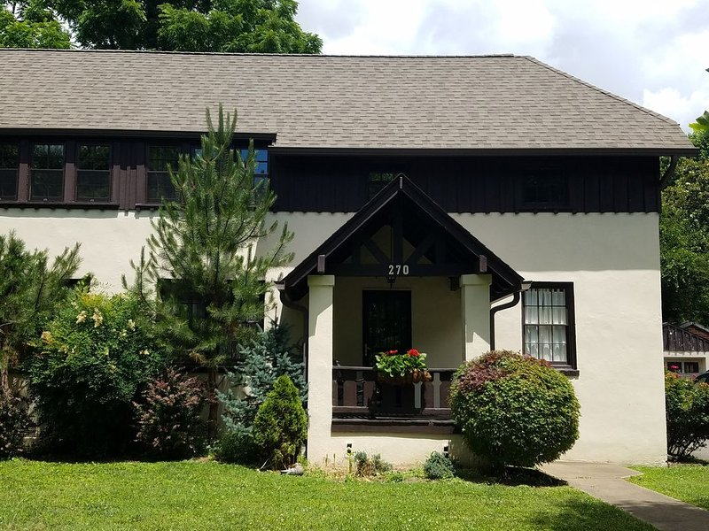 Historical home in downtown Kingsport, holiday rental in Duffield
