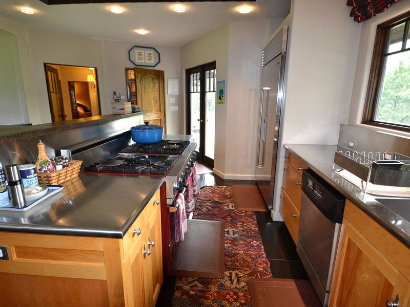 Charming & Elegant Mountain Home, holiday rental in Riggins