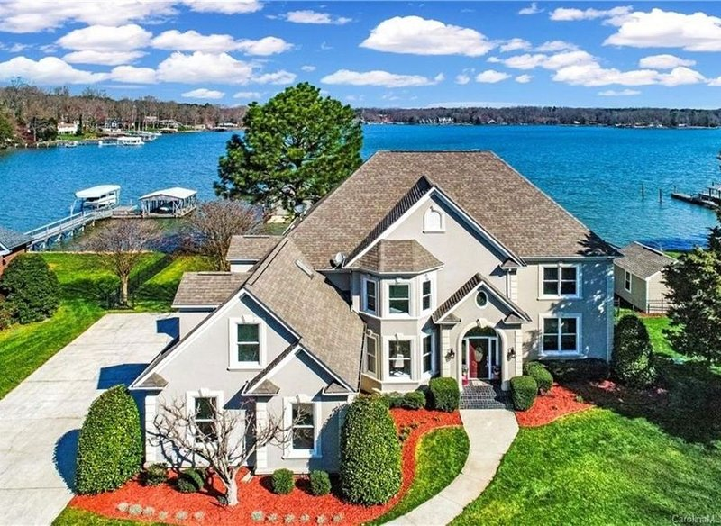 Luxury Lake Norman waterfront estate, holiday rental in Sherrills Ford