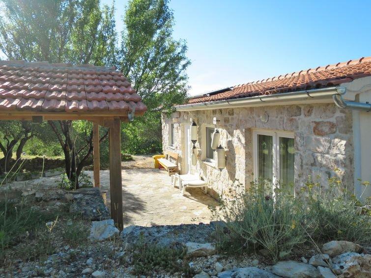 Ferienhaus Ivancica (VOD310) in Vodice - 5 Personen, 2 Schlafzimmer, casa vacanza a Pirovac