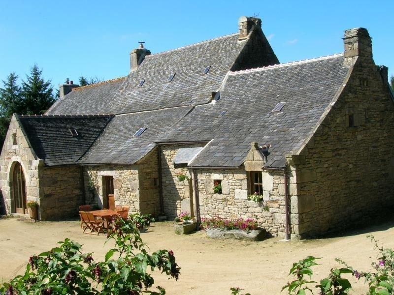 Ferienhaus Plounéour Ménez für 2 - 10 Personen mit 4 Schlafzimmern - Bauernhaus, holiday rental in La Feuillee