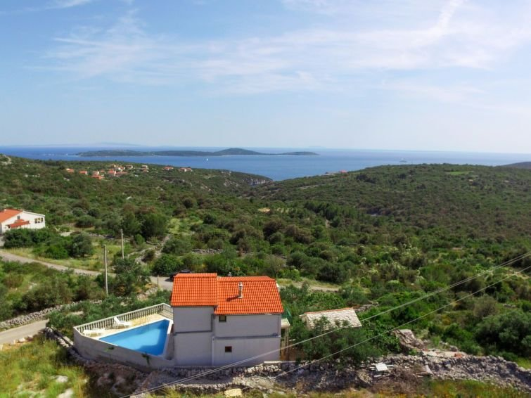 Vacation home Haus Basic  in Vinisce, Dalmatia - 8 persons, 4 bedrooms, vacation rental in Vinisce