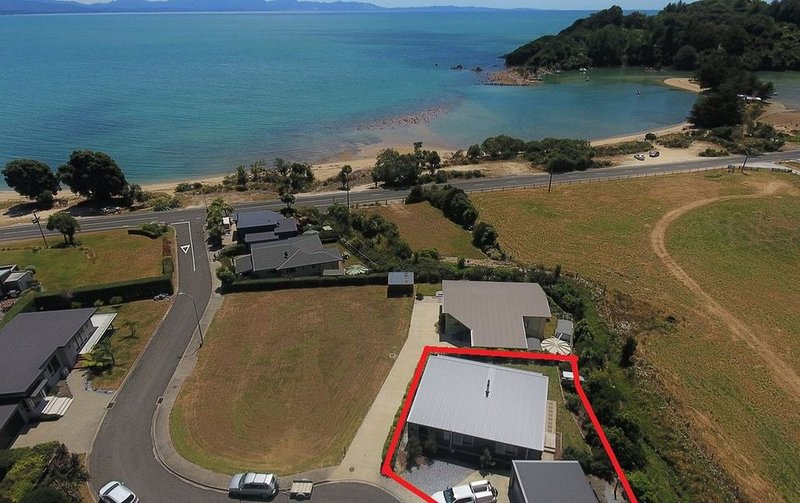 Ligar Bay Modern Bach -Linen/Towels Included, Sea View, Free Wi-Fi, holiday rental in Nelson-Tasman Region
