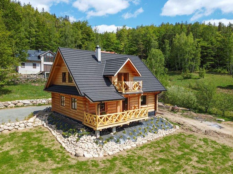 Schönes Holzhaus mit Blick aufs Riesengebirge Przesieka Polen, holiday rental in Horni Mala Upa