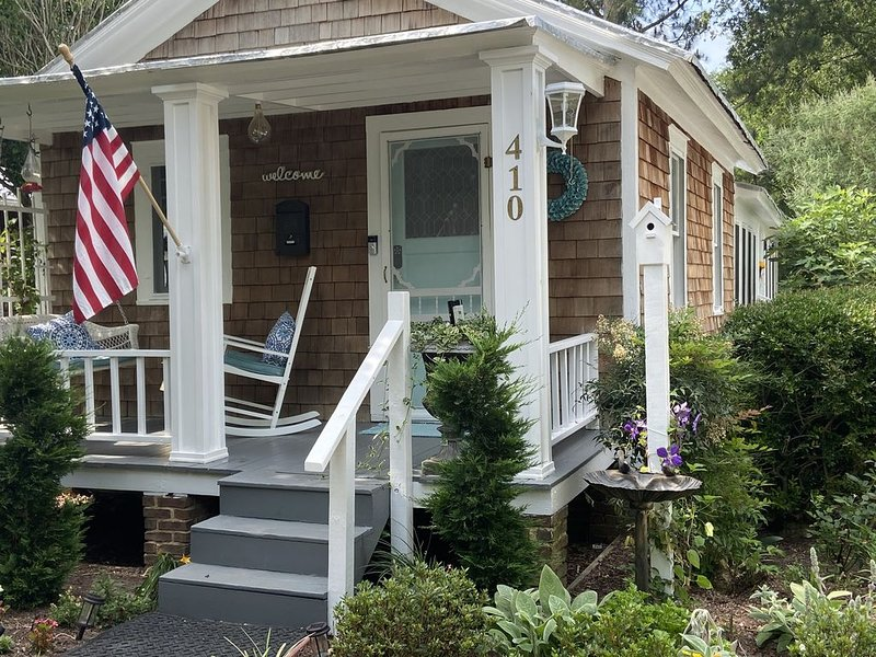 Cozy Cottage in Historic Edenton, location de vacances à Edenton