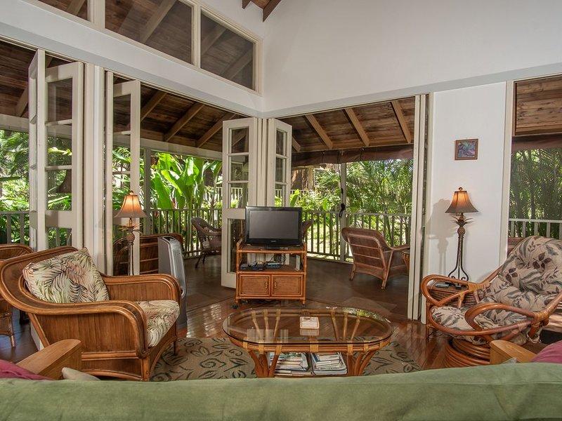 1bd/1ba, Sleeps 4, Full Kitchen, W/D, Close to 2 beaches, King bed, Pool, WiFi, Ferienwohnung in Molokai