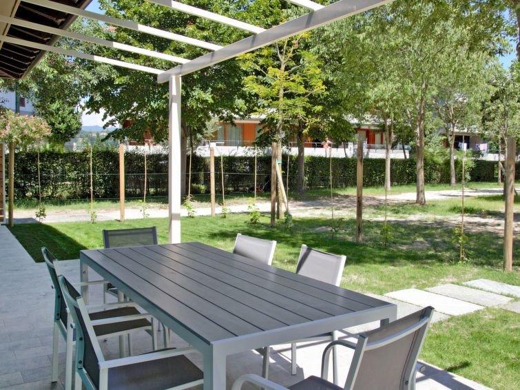 Ferienhaus Fior di Sole (MAN165) in Manerba - 6 Personen, 2 Schlafzimmer, casa vacanza a Manerba del Garda