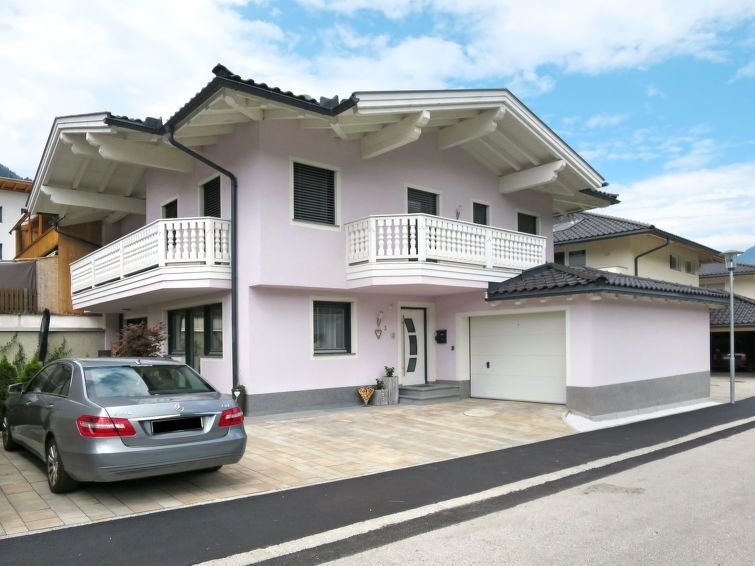 Ferienwohnung Regina (ZAZ744) in Zell am Ziller - 4 Personen, 1 Schlafzimmer, location de vacances à Aschau im Zillertal