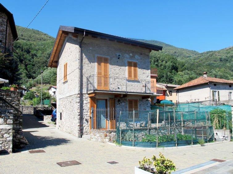 Ferienhaus Leonardo (SRC124) in Sorico Albonico - 5 Personen, 2 Schlafzimmer, holiday rental in Sorico