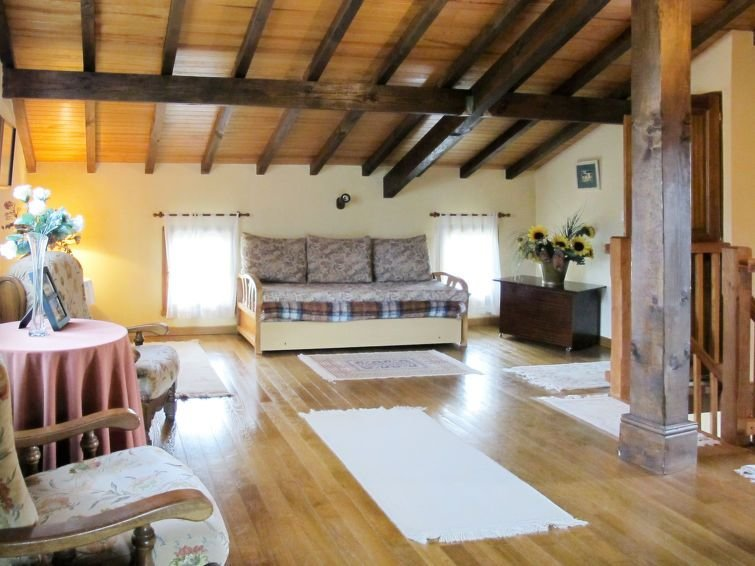 Vacation home in St. Pée - sur - Nivelle, Aquitaine - 8 persons, 4 bedrooms, vacation rental in Zugarramurdi