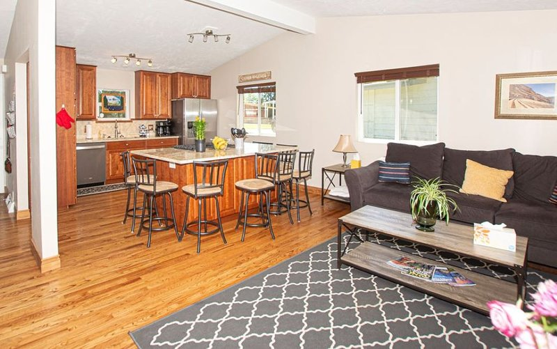 Recently remodeled roomy 4 bedroom, 3 bath home with 2 family areas, sleeps 8, holiday rental in Littleton