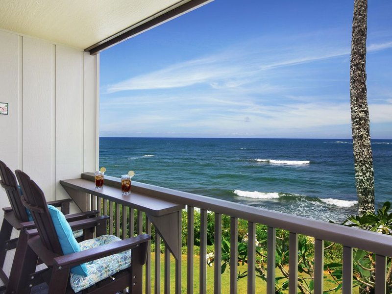 Oceanfront Kauai Condo Rental, Renovated Bath-Quiet, Private Lanai, alquiler de vacaciones en Kapaa