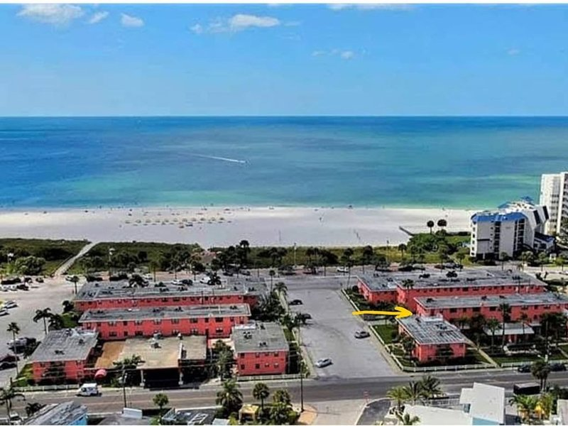 St Pete Beach Home - Gulf Views from Private Deck and Great Location, holiday rental in South Pasadena