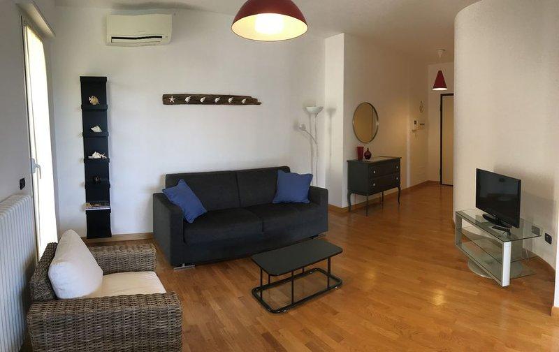 Alter ego sea apartment -D, vacation rental in Semino