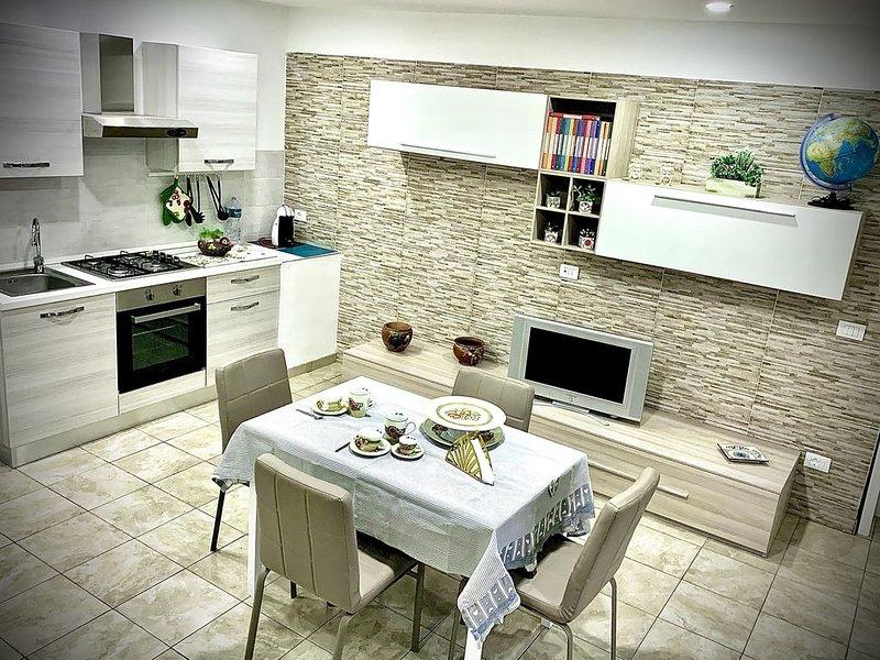 """Villetta """"La Pietra"""", holiday rental in Castelmola"""