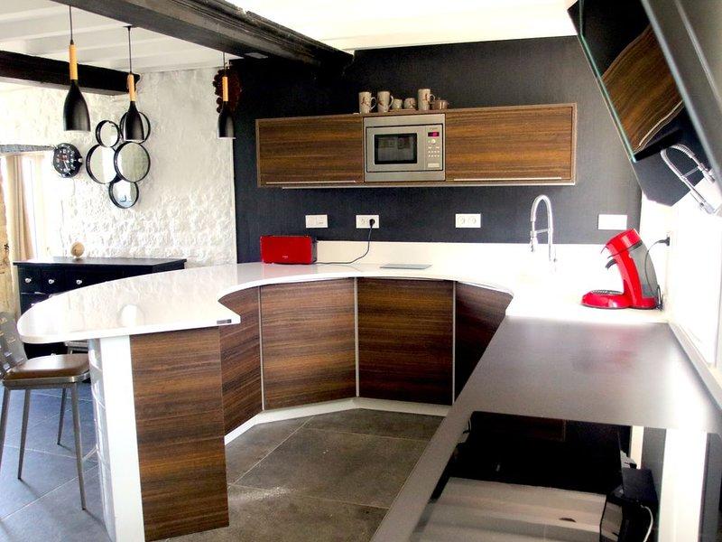 Agréable maison meublée avec jardin - 6 personnes, holiday rental in Saint-Come-du-Mont
