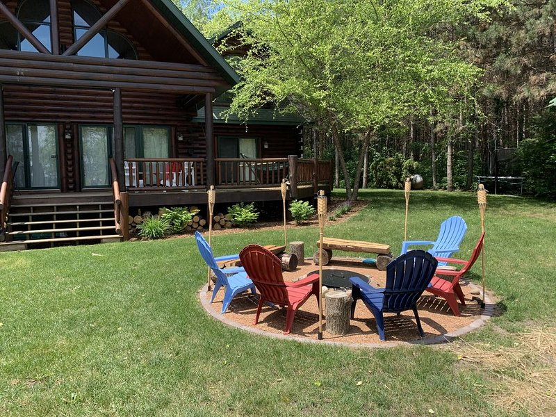 Cabin on the Lake in the Woods, casa vacanza a Nekoosa