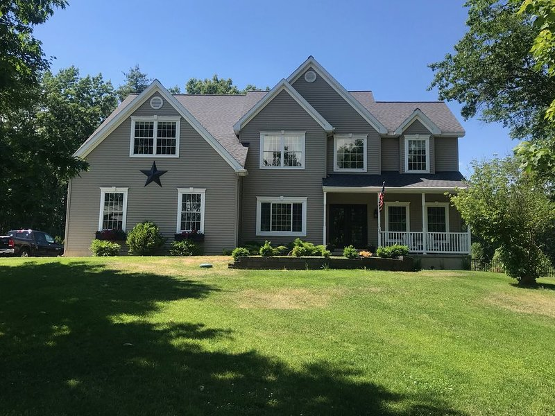 Saratoga Country Home, holiday rental in Cambridge