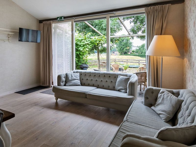 Alluring Holiday Home with Horssen with Terrace, holiday rental in Druten