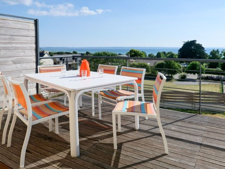 Vacation home in St. Nic/ Pentrez - Plage, Finistère - 8 persons, 4 bedrooms, holiday rental in Pentrez