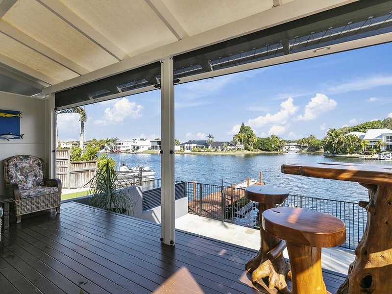 Absolute Waterfront, holiday rental in Doonan