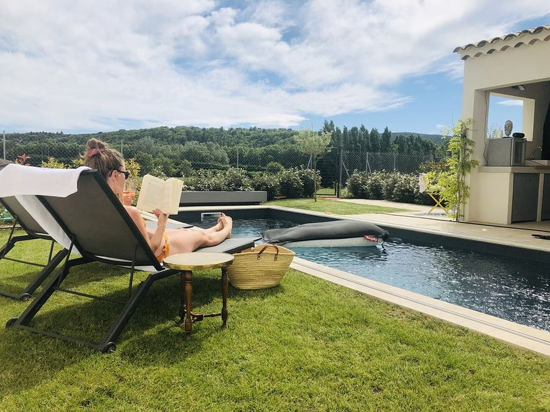 La Maison D'AME:  Luxery villa with private pool and mountain view, vacation rental in Malaucene