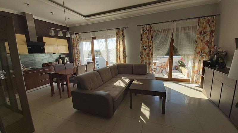 Appartement 'Küstenperle'; Dachgeschosssppartement mit größer Terrasse, alquiler vacacional en Swinemuende