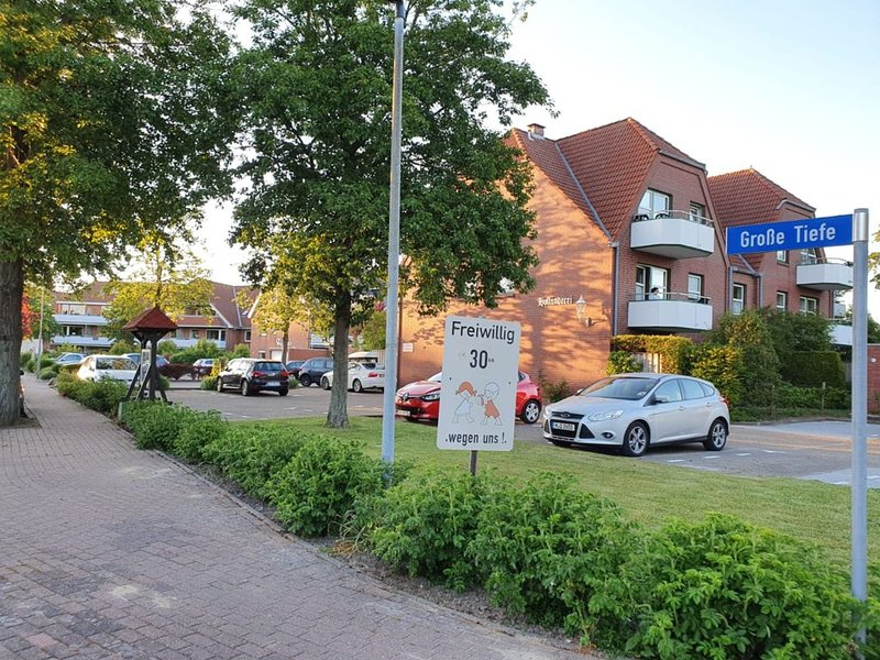 Gemütliche Ferienwohnung 'Flunder' mit Balkon, holiday rental in Büsum