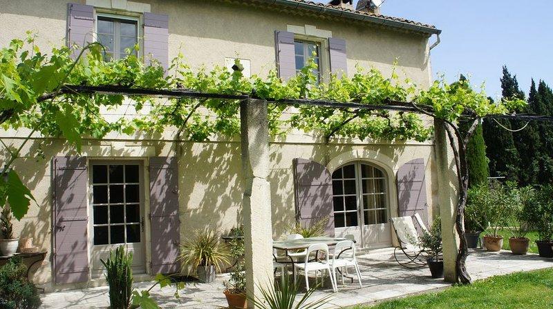 Mas provençal à Saint Remy de Provence dans parc arboré, aluguéis de temporada em Mas-Blanc-des-Alpilles