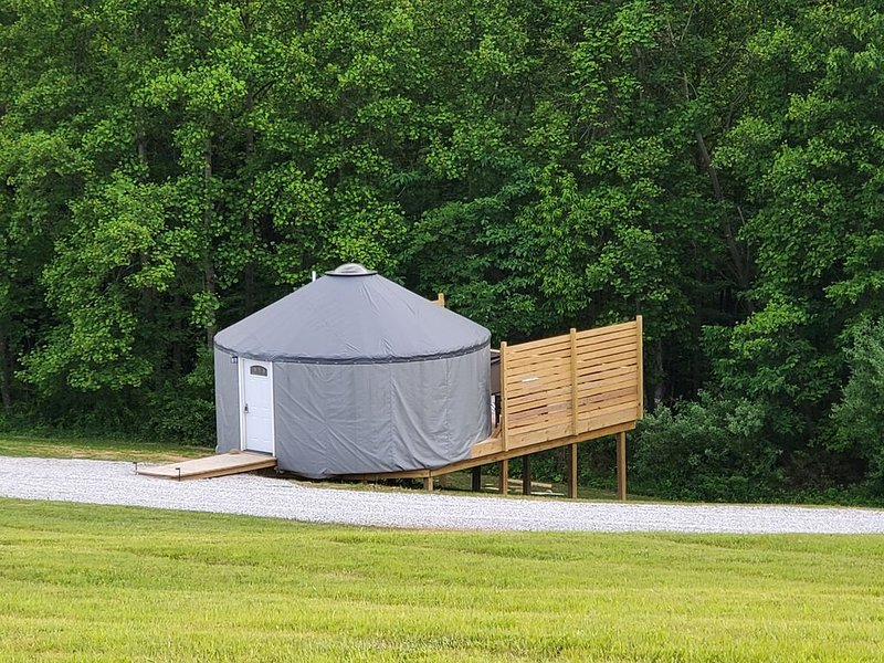 The Hummingbird  is a Stylish 20ft Yurt house!, holiday rental in Sugar Grove