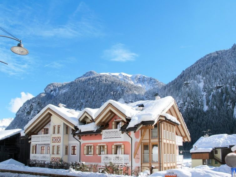 Apartment Casa Giovanni  in Fontanazzo, Dolomites - 6 persons, 2 bedrooms, holiday rental in Campestrin