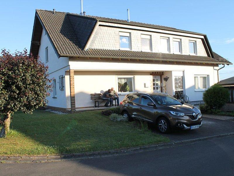 Große, familienfreundliche Ferienwohnung, location de vacances à Bremm