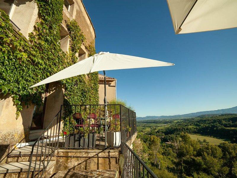 Vue exceptionnelle Mont Ventoux - Maison de charme, convivialité et confort, casa vacanza a Le Beaucet