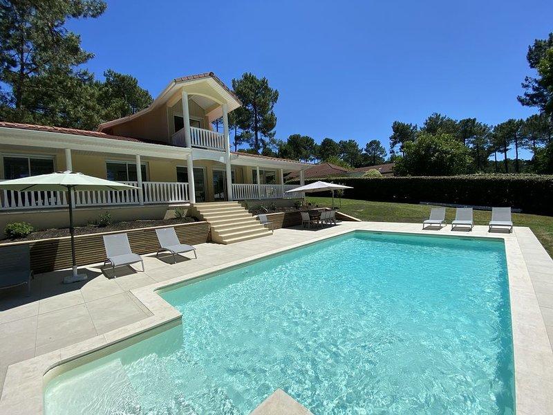 L'Eden: Villa en bordure de golf - Entièrement rénovée en 2019 - Fibre optique, vacation rental in Lacanau