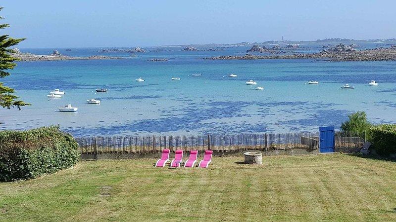 Propriété avec un Penty indépendant les pieds dans l'eau.  Accès privé plage, location de vacances à Santec