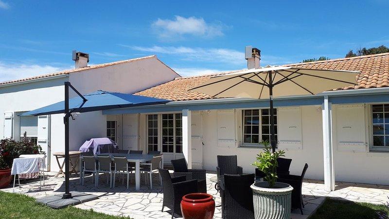 Villa 4 étoiles à 800m de la plage, sur un parc de 6 hectares, casa vacanza a Charente-Maritime