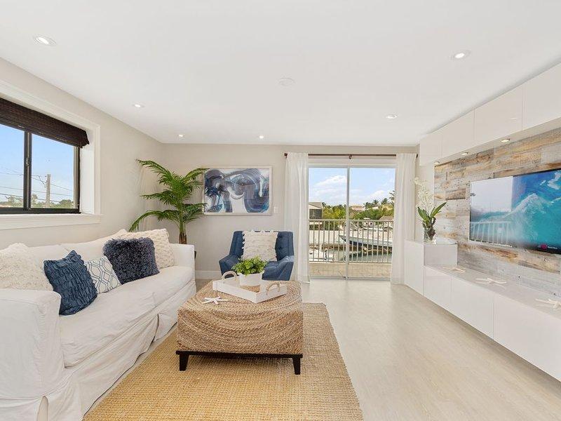Newly Remodeled Key Largo Villa W/Boat Slip & Pool, 2B/2B Sleeps 6-8, aluguéis de temporada em Key Largo