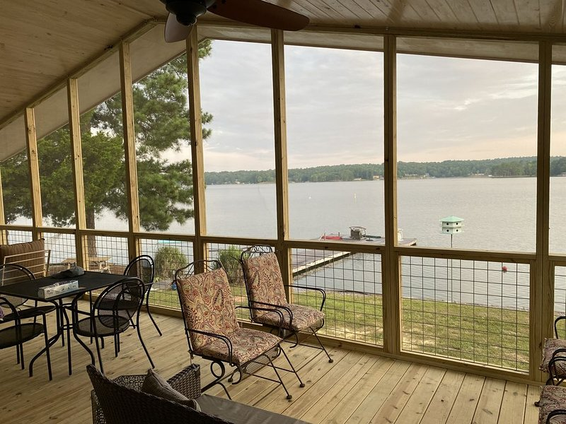 BEAUTIFUL LAKE MARTIN AWAITS YOUR VISIT, location de vacances à Alexander City