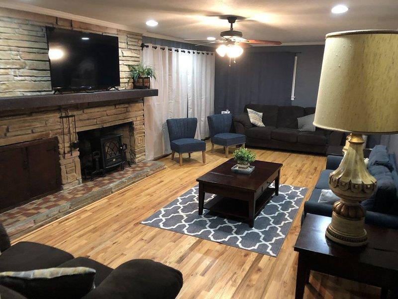 Large 4 bedroom 1.5 bath 10 min from Ft Benning, alquiler de vacaciones en Columbus