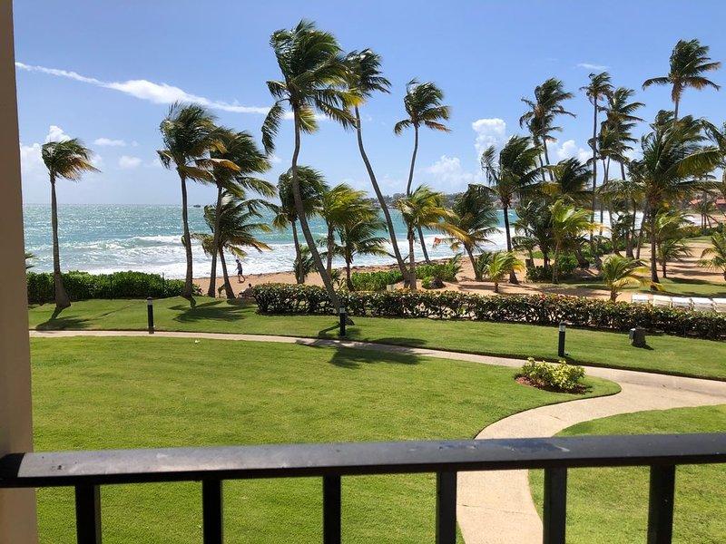 Fantastic Ocean Front 2 bedroom  2 Bath Villa In Pal Mas Del Mar Resort. – semesterbostad i Humacao
