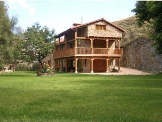 Casa rural (alquiler íntegro) El Corral de Sandalio para 8 personas, location de vacances à San Emiliano