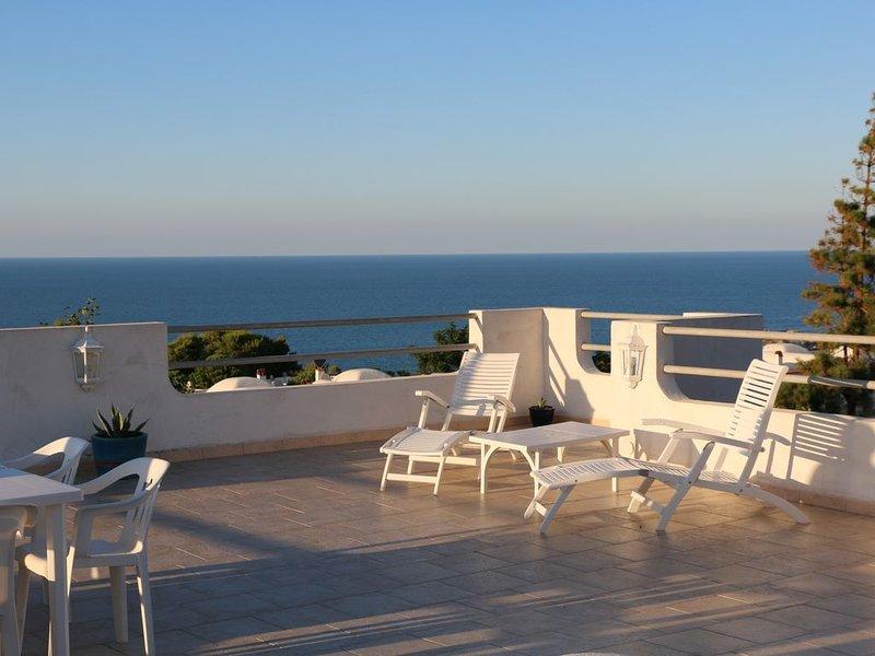VILLETTA con giardino e terrazza vista mare, casa vacanza a Peschici