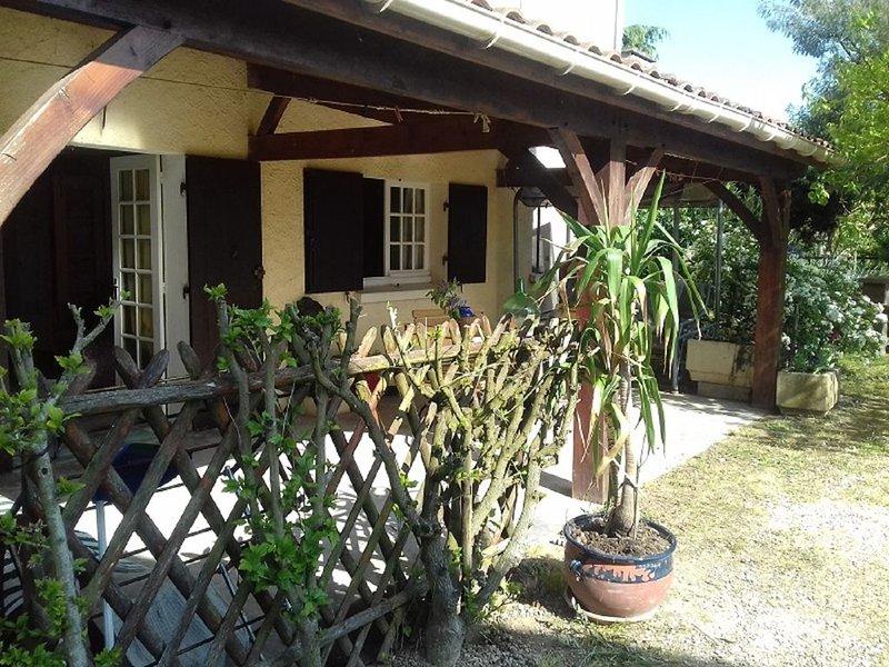 Meublé de tourisme, dans une maison individuelle indépendante du propriétaire, vacation rental in Saint-Andre-et-Appelles