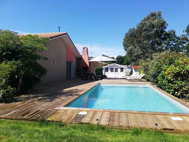 Grande maison Bassin d'Arcachon entre amis ou en famille, classée 4 étoiles, vacation rental in Gujan-Mestras